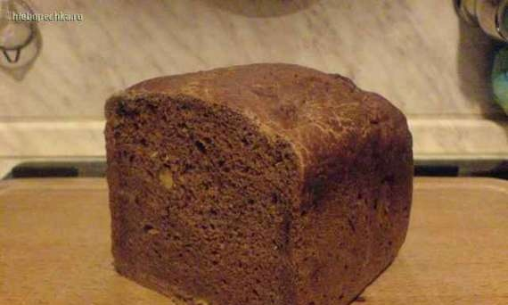 Bread with apples, nuts and cocoa