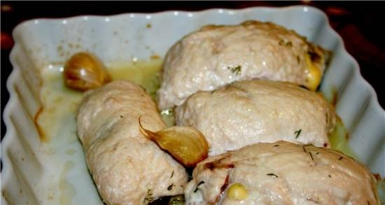 Chicken rolls with cheese sauce