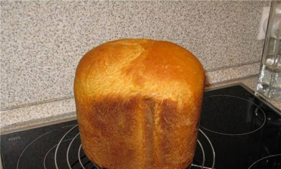 Onion bread with cheese in a bread maker